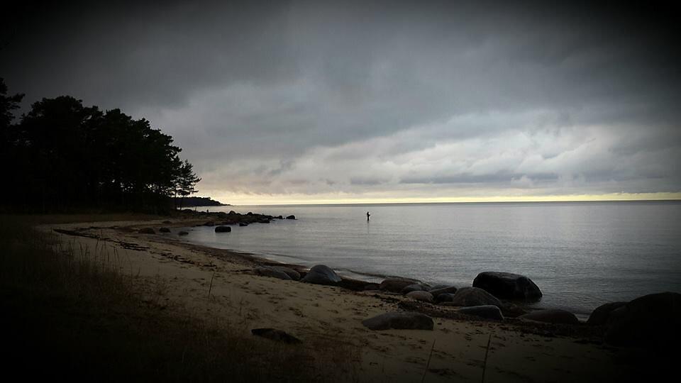 Mere ääres, Leetse