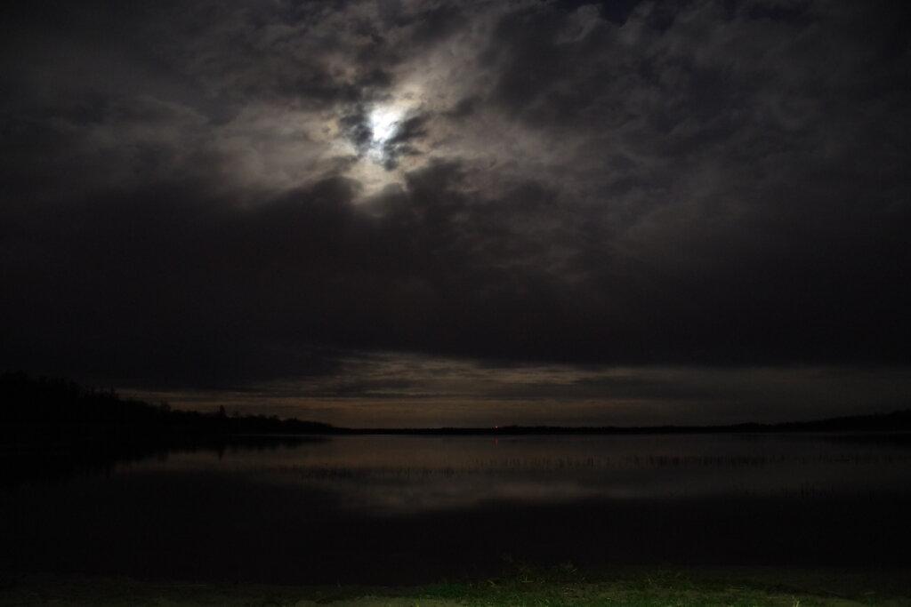 Klooga järv öösel
